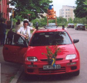 When I graduated from High school I got a big Bamse teddybear who got to sit on the top of the car roof on the way home.